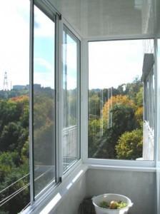 osteklennyj-balkon